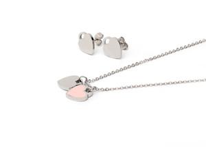 Yüksek Kaliteli Charm İngilizce Harfler Çift Kalp kolye kolye Altın Gümüş Kaplama Paslanmaz Çelik Kolye Küpe Seti İçin Kadınlar Takı