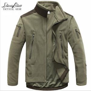 Men Tactical clothing autumn winter fleece army jacket softshell hunt clothing men softshell style jackets