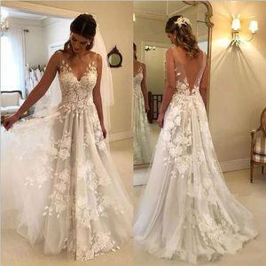 2020 Bohemian Summer Beach Wedding Dresses Una línea de cuello en V de encaje Apliques florales en 3D Ilusión Backless Sweep Train Plus Size Vestido de novia formal