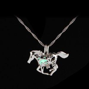 Incandescente luminosa nel argento collana Dark Horse Unicorn maglione della collana del nuovo Natale di collane placcate delle catene
