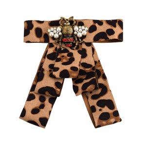 큰 Bowknot 고급 브 로치 여성 레트로 꿀벌 브랜드 디자이너 브로치 옷깃 고리 핀 넥타이 사랑을위한 선물 인기 브랜드 쥬얼리 액세서리