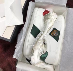 New white trainers Sapatos de grife Ace Genuine sneaker de couro 100% das mulheres dos homens Clássicos Sapatos Casuais python tigre abelha Picos de flores Amor espreitadela