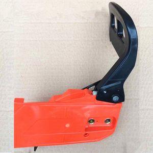Alloggiamento della maniglia del freno della catena adatta per Zenoah G4500 G5200 4500 5200 45CC 52CC 5800 5900 Parte di ricambio della copertura della ruota della catena della motosega