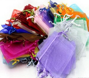 Bolsas de la bolsa del regalo de la joyería de la organza de 100 pedazos / porción para los favores de la boda, granos, bolso de la joyería Paquete de los bolsos del caramelo color de la mezcla Titulares del favor