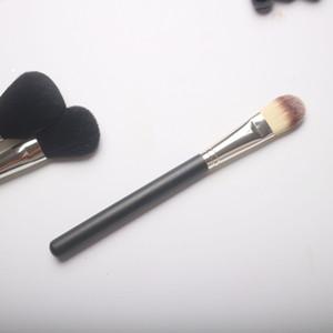 Usine de gros professionnels de nouvelles brosses cosmétiques # 190 pinceau fond de teint liquide mc pinceaux de maquillage crème de teint unique Livraison gratuite
