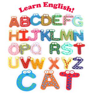 Bunter hölzerner Cartoon Kühlschrankmagnete Früher Unterricht 26 englisches Alphabet-Holz-Handwerks-Inneneinrichtungs-Kindergeschenke