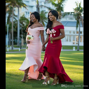 Robes de demoiselle d'honneur de sirène pas cher Africaine Off Shouder longues robes de mariée Vintage Invité Dentelle Arabe demoiselle d'honneur Robe