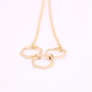 Los últimos elementos lgeometric mayorista da forma de collar colgante de hexágono regular collar plateado el mejor regalo para las mujeres