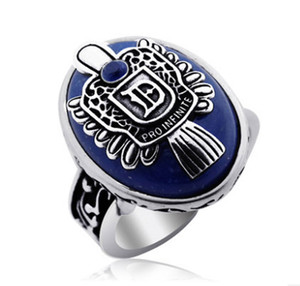 Classic Vampire Rings for Men Gioielli Blue Crystal Ancient Silver Anti-daylight The Vampire Diaries Vintage Anello punk per gli uomini