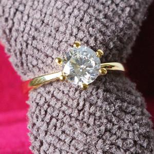 Argento solido classico Design Design Prong Impostazione 1ct SONA diamante sintetico Fidanzamento anelli necessari 24K gioielli in oro giallo placcato