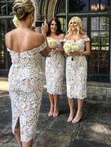 Off Ombro Bainha Na Altura Do Joelho Backless Marfim Nude Wedding Guest Dresses Vestidos De Noiva Curto 2018 Elegante Lace Curto Vestidos Dama De Honra