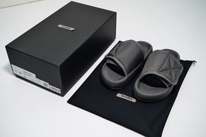 2018 Nuovo superiore Kanye Stagione 6 Nylon Slides Uomo Donna 3D impermeabile occidentale Seasn6 Memory Foam ad alta densità ricamo verde pantofole