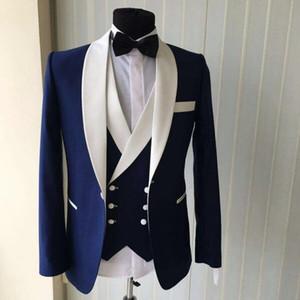 Mavi Erkekler Düğün Takımları 2018 Yeni Marka Moda Tasarım Gerçek Groomsmen Beyaz Şal Yaka Damat Smokin Erkek Smokin Düğün / Balo Suits 3 Parça