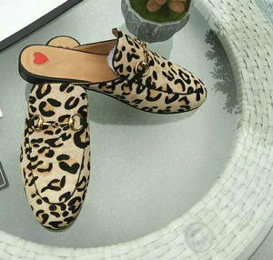 Оптовая Принстаун кожаные тапочки женщина Baotou леопард плоский крытый мебель horsebit полуприцепы gril