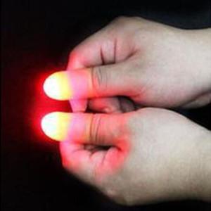 뜨거운 판매 200pcs 엄지 손가락 최대 마법의 슈퍼 밝은 LED 빛 손가락 트릭 라이트 가벼운 장난감을 닫습니다