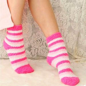 Freies Verschiffen 5 Paare / Los Winter Warme Socken Für Frauen Hohe Qualität Handtuch Warme Fuzzy Socken Candy Farbe Dicken Boden Thermische