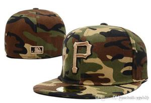 Yjyb2b 2018 nouveaux hommes entièrement fermés chapeaux ajustés pirates blanc P lettre lettre de sport pirates équipe de baseball taille casquettes en Full Camo couleur