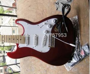 Fabrika özel mağazalar 2015 Yeni ST Deluxe Elektrikli Gutiars, Şeker Elma Kırmızı Elektro Gitar 7 6 stratocaster2018