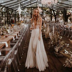 2019 Bohemian A-line Long Wedding Dresses V-neck Lace Appliques Ruched Skirt Summer Bridal Wear Country Beach Wedding Gowns