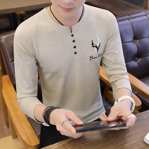 2018 autumn and winter new men's casual trend head V-neck long-sleeved fashion T-shirt solid color Slim port wind shirt 8806