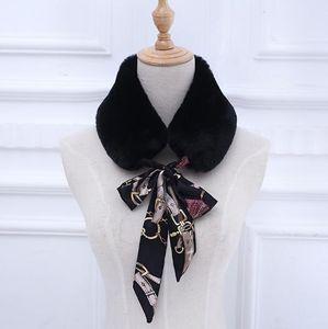Il nuovo modello autunno / inverno 2018 è disponibile in imitazione di pelliccia di pelliccia collegata da una pelliccia di coniglio lontra per mantenere caldi sciarpa cappotti falsi colletto wome