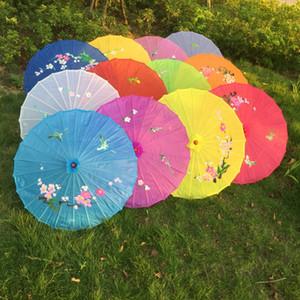Freies Verschiffen 100pcs / lot handgemalten Blumenentwurf 12colors chinesische Kunst Regenschirm Bambusrahmen Seide Sonnenschirm für Braut bridemaide