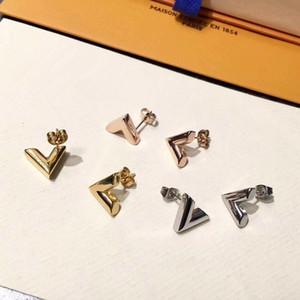 2018 marca de moda simple V carta pendientes de acero inoxidable pendientes de joyería de los hombres y las mujeres pendientes envío gratis
