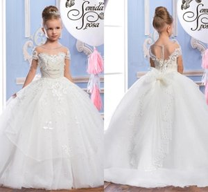 2018 New Cute Sheer Maniche corte Pizzo Flower Girls 'Dresses Tulle Applique Beaded Bow Sash Abiti da festa di compleanno delle bambine BA7180