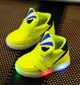 Kinder Schuhe mit Licht Chaussure Led Enfant Frühling Herbst neue Cartoon LED Mädchen Schuhe Sport atmungsaktiv Jungen Turnschuhe Schuhe