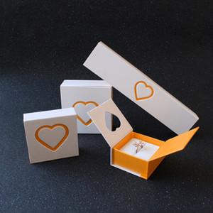 Corazón decorativo Papel plegable Caja de regalo Joyas Regalar Embalaje Duro Cartulina Diseño especial delicado Anillo blanco Pulsera colgante Caja