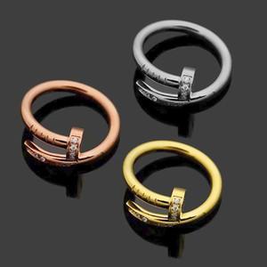 أزياء سيدة 316L التيتانيوم الصلب دوائر واحدة التفاف 3 أوتاد اللون الماس الزفاف الاشتباك خواتم مطلية بالذهب 18K Size5-9