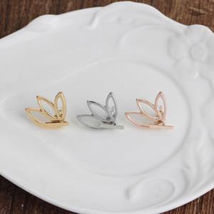 Sonbahar ve kış yeni ürünler Basit ve şık ajur lotus küpe kadın çiçek küpe Toptan
