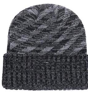 Venta caliente Beanie Sideline Clima frío Grafito Revers oficiales Gorro de punto deportivo Todos los equipos Invierno Cálido Tejido de lana Steelers Skull Cap