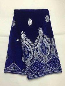Venta caliente azul real tela de encaje de terciopelo francés tela de encaje de terciopelo suave africano con lentejuelas de oro para ropa JV5-2,5 yardas / pc