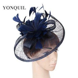 Mehrere Farben sinamay fascinator Unterseite Haarschmuck mit Feder Haarbänder Braut dekorative Hüte Frauen Hochzeit Partei DIY Haarspangen