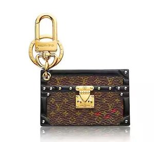PETITE MALLE BAG CHARM KEY HOLDER KEY HOLDERS BAG CHARMS MÁS Cinturones Joyas Accesorios de moda