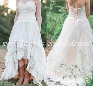 Alto Bajo Bajo Vestidos de boda de país 2019 Sweet Heart Backless Sweep Train Apliques escalonados Jardín Playa Camo Vestidos de novia robe de mariée