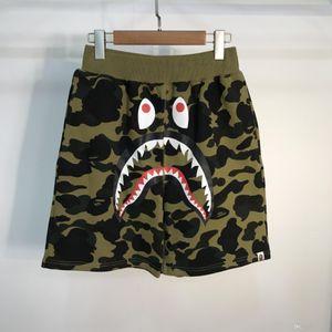 Nuovi uomini Shark Camo Shorts Lover Cotton Camo Causali Shorts Uomo Casual Camouflage Beach Shorts Streetwear Spedizione gratuita