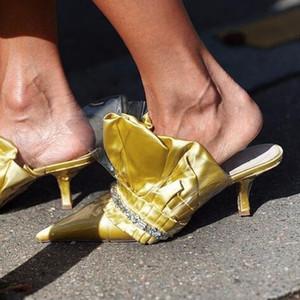 2018 Fashion Week Celebrity Damen Plissee Leder spitz Zehe High Heel Slides PVC Klar Patchwork Slip auf Perlen Sandalen Sommerschuhe