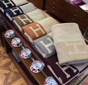 Signage H lançar cobertor Início do curso Outono Inverno Mulheres Scarf Shawl Aqueça diários Cobertores Grande 170 * 140 centímetros Bege // Grey / Brown / verde / rosa