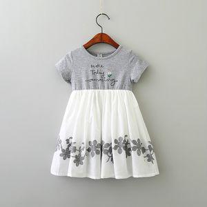 Yeni Geliş Kız Elbise Çocuk Butik Giyim Harf Çiçek Nakış Tasarım Kızlar Kısa Kollu Elbise yazdır
