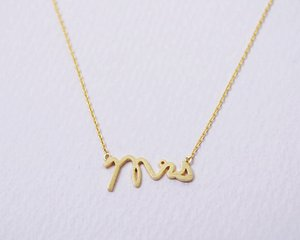 30pcs English alphabet initials MRS madam Mrs Necklace Small Stamped Word Initial Necklace Tiny Love Alphabet Letter Necklaces