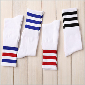 Nuovi Uomini / Donne 3 Tre strisce Cotton Socks Retro Old School Hiphop Skate Long Short Meias harajuku bianco nero inverno cool