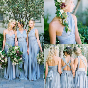 2018 Vestidos de dama de honor largos convertibles azul polvoriento baratos Vestidos de invitados de boda de playa sin mangas plisados Vestidos de fiesta de longitud de piso