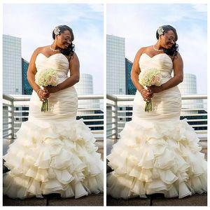 2021 Custom Plus Size Dubai Arabic Mermaid Wedding Dresses Tiered Ruched Draped Robe De Marriage Sweetheart Long Floor Length Bridal Gowns
