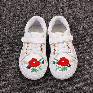 Bambini Ragazzi Ragazze popolari Ricamo Fiore Scarpe casual 2018-2019 Kids Girl Floral PU Scarpe principessa Platform Sneakers Baby Sports Shoes