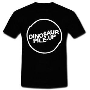 2018 Fashion Hot Dinosaur Pile - Up 3 Puertas Abajo Post - Banda de camiseta con camiseta de grunge S M L Xl 2xl Impresión personalizada Camiseta casual con cuello en O Top