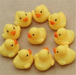 4 cm Wasser Ente Baby Badespielzeug Kinder Strand Schwimmen Sounds Kleine Gelbe Enten Mini PVC Kind Lernspielzeug 0 24sc YY
