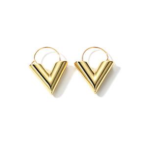 Venta completaLWONG 2018 Moda Oro Color Pendientes de V iniciales para mujeres Pendientes de aro geométricos V Mínimo Joyería cotidiana simple