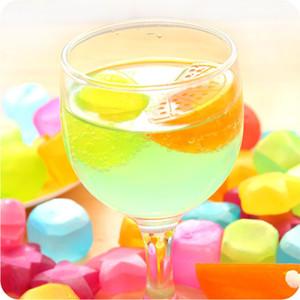 6pcs / pack Eiswürfel Plastikfrucht geformt Reusable Plastic Mehrfarbengroß- Kühl Kalt Trinkgefäße Bar Barbecue Party Bar-Tools